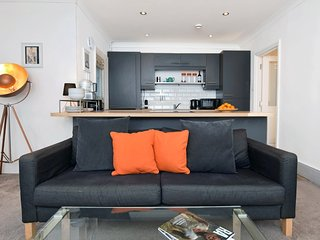 73084 Apartment situated in Eastbourne
