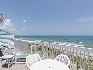 Comfortable oceanfront condo with breathtaking views