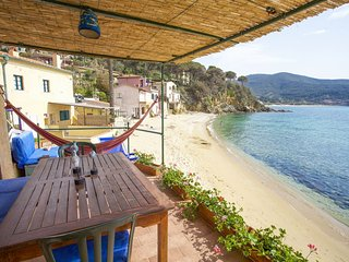 Studio Sottomarino in Forno - Apartment Il Sottomarino 2 Beds on the Forno Beach