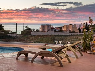 Luxurious Villa Solaris, with Private Pool, Barbeque Facilities & Magical View.