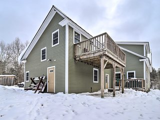 NEW! Cozy Apt w/Deck -20 Mins to Stowe Mtn Resort!