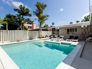 Luxury 4BR Home Best Location 5 Mins Walk to Beach
