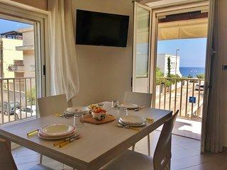 Vista sul mare e con vicino la spiaggia - Appartamento  Alela - Laura -