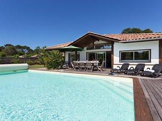 Piscine privee | Villa de luxe pres de la plage et du Club de golf