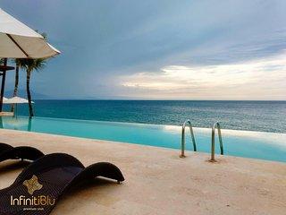 Infiniti Blu Stunning Panoramic Beachfront Condo
