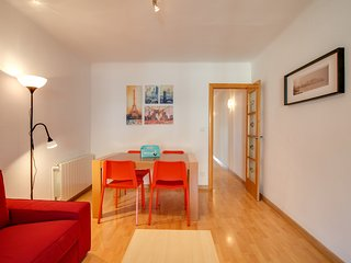 Lovely 3 Bed Apt w/Terrace & Balcony in Nou Barris