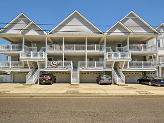 Wildwood Condo w/ Deck - Near Convention Center!