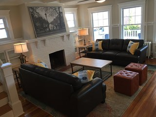 Huge Newly Renovated Vacation Home, Pets Welcome!