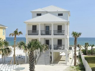Great Location-Gulf-Front-Home-Large-Private-Pool.Sleeps 21