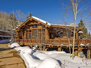 Grand, Spacious Ski-in/out Timber Lodge in Beaver Creek, with Private Hot Tub