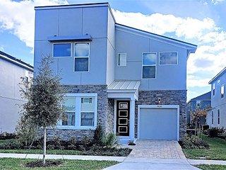 BRAND-NEW!! 6 bedroom house near Disney in Solrara resort!!