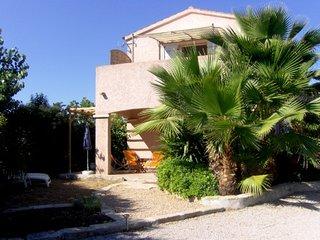 Mini villa 38 m2 jardinet , terrasses, 5 mm en voiture de la mer, pour 4/5p