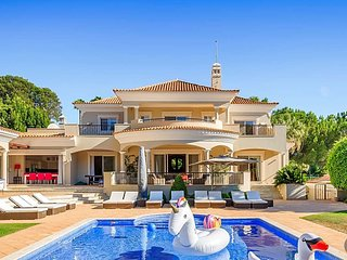 6 bedroom Villa in Quinta do Lago, Faro, Portugal : ref 5720623