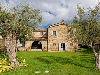5 bedroom Villa in Farinaio, Tuscany, Italy : ref 5721362