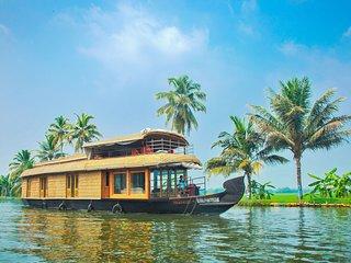 Angel Queen Houseboats