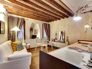 Contemporary Chic Apartment Venice