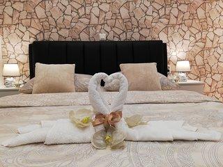 Enjoy deluxe apartment in heart of ancient Split ***