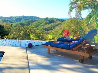 Villa Omkara - Relaxing Nature and Breathtaking Views at Your Doorstep