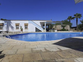 Capilungo Villa Sleeps 11 with Pool and WiFi - 5738704