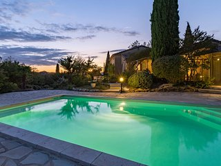 Beautiful property near Vaison and Nyons surrounded by a landscape garden