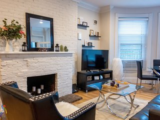 Spacious 1 BR Suites in the Heart of Back Bay