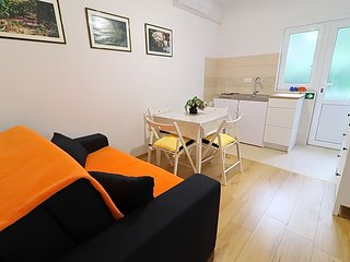 Cozy apartment in Polače with Parking, Internet, Balcony