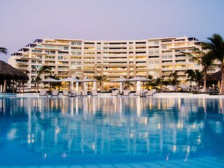 Beachfront Luxury Condo at Delcanto