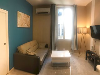 Marseille Holiday Apartment 26240