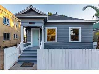 Beautiful House in Great DT Long Beach Location!