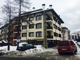 Ramada 2 1-bedroom Ski Apartment (2 mins walk to Gondola)