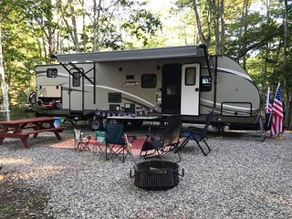 FREE DELIVERY TO DISNEY FORT WILDERNESS , CAMPER HAS 2 SLIDE OUTS /SLEEPS 10