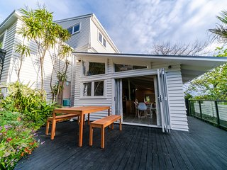 Takapuna Central Spacious & New 2 Bedroom Unit