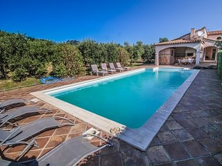 Luxury landhouse near Mouriès, Alpilles, big plot, intimate pool area