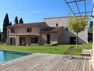 Landhouse for 17 P. in Le Castellet, Var, private pool, beaches 6 mls