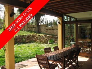 The VILLA of your dreams, FAMILY GROUPS, KIDS, FRIENDS and PETS - Siena: 12min