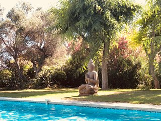 CAN PARÈS villa 20 to 24 sleeps, 10 min from beach