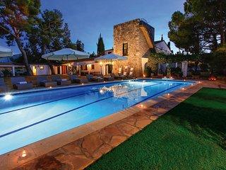 MASIA PAIRAL villa 22 to 24 sleeps, beaches Sitges 5 min
