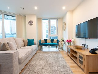 3 bedroom luxury apartment in Aldgate East