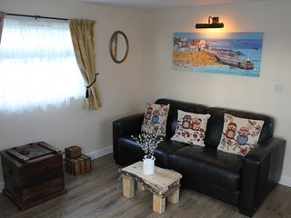Two Hoots is a charming & elegant chalet located in Mundesley!