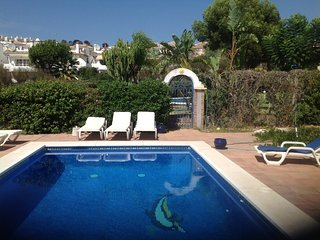 detached 4 bed villa with private pool and garden