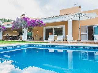 VILLA ALOE: Free Wifi, private pool and views of mountain and sea