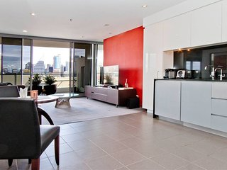 Big 1 Bedroom with Pool and City Views