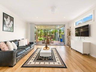 Double Storey Sydney Home Near Sydney Uni
