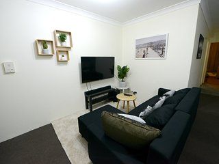 Prime Budget 13  - 2Bedrooms with Balcony - Sydney CBD - Free Parking
