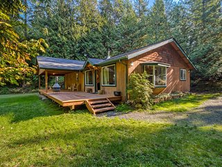 Newly Listed! Cozy and Private Wildflower Cottage Retreat