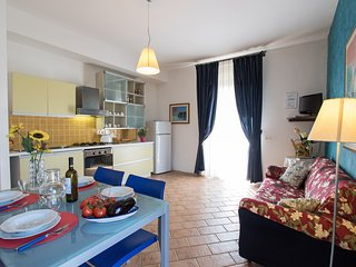 Mirò, one bedroom apartment on the ground floor close Asciano. Pool, A/C & Wi-Fi