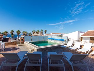Fabulous 4 Bedroom Villa. Private Heated Pool. Air Con. Playa De Las Americas.