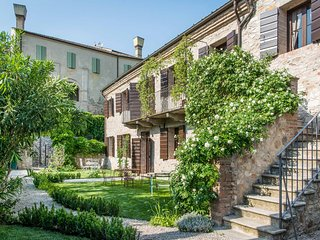 Casa Zorzi near Venice spectacular guesthouse of a castle with heated pool