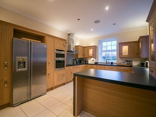 Kirklands: 4 Bed detached house sleeping 8 and dog friendly