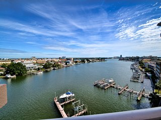 Harborview Grande 700 Waterfront Condo